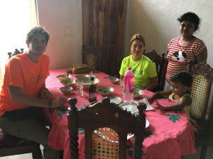 Comida en casa de Nirmal