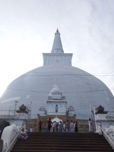 Gran estupa en Anuradhapura